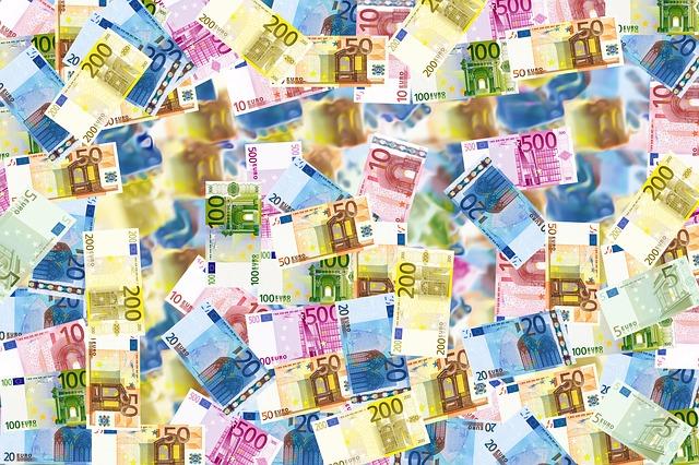 rozházené bankovky
