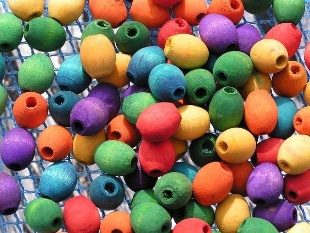 barevné dřevěné korálky.jpg