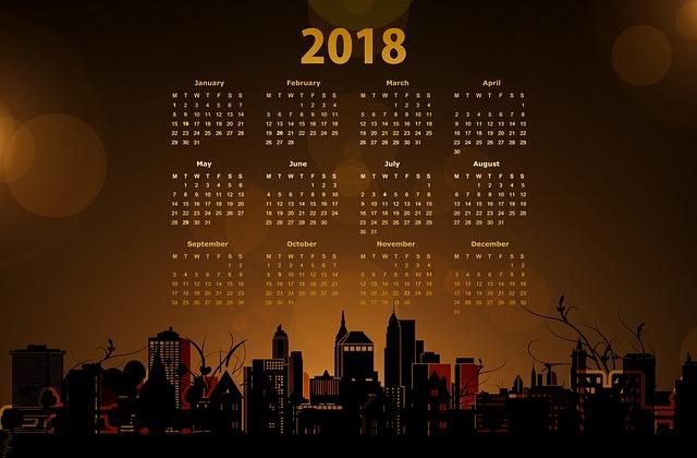 kalendář na rok 2018 se zlatými čísly