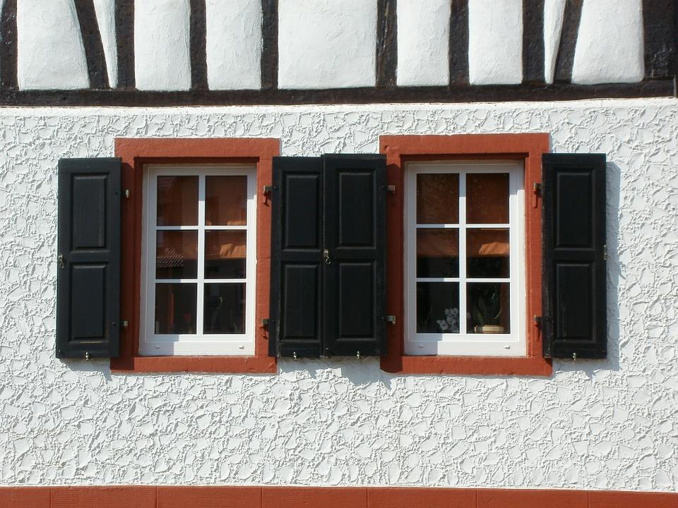 okna u domu